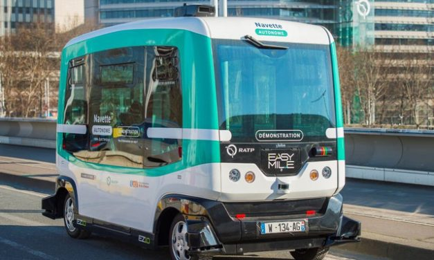 Në Paris prezantohet autobusi pa shofer