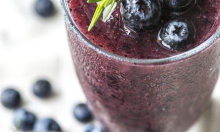 Konsumoni pijen detoks për të pastruar organizmin tuaj