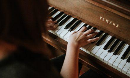 """Përmbledhja javore Çelësi: Piano 100-vjeçare, Pozicion Sales Consultant, Dyqan me Qera te Rr.""""Elbasanit"""", e të tjera"""